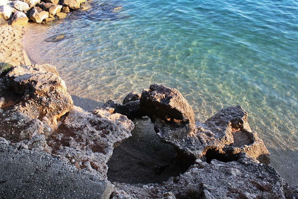 Прекрасное море и скалы