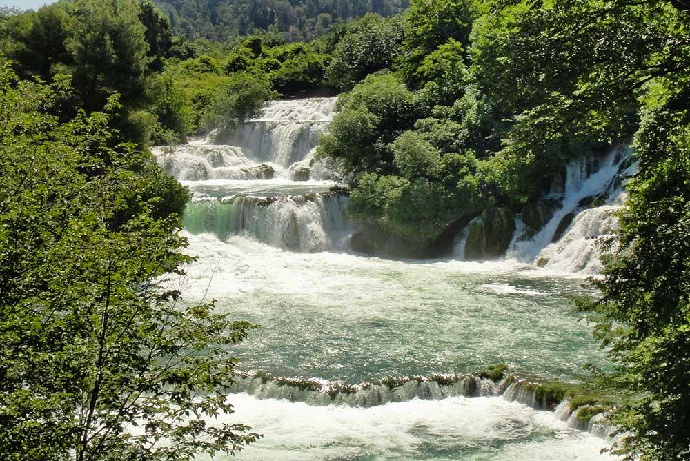 Великолепные водопады КРКа