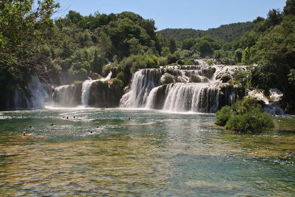 На автомобиле по Хорватии - водопады на реке КРКа