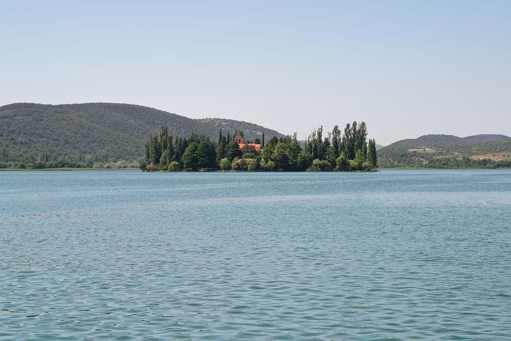 Остров-монастырь Висовац