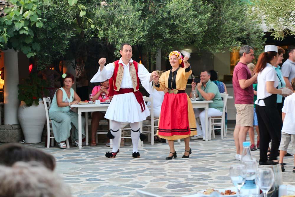 Греческий вечер в таверне