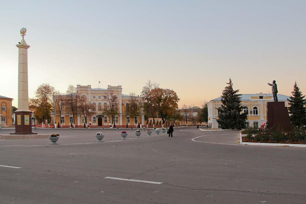 Центральная площадь в Богучаре