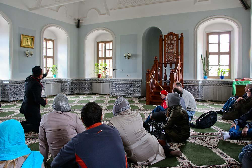 Внутри Апанаевской мечети