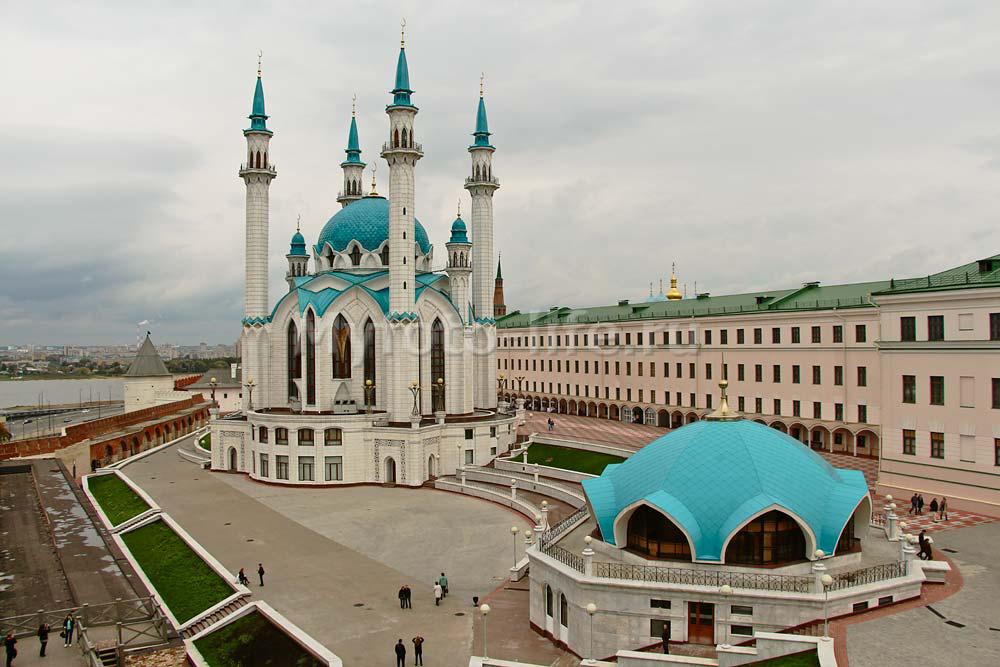 Комплекс мечеть Кул Шариф и пожарная часть на территории Кремля в Казани
