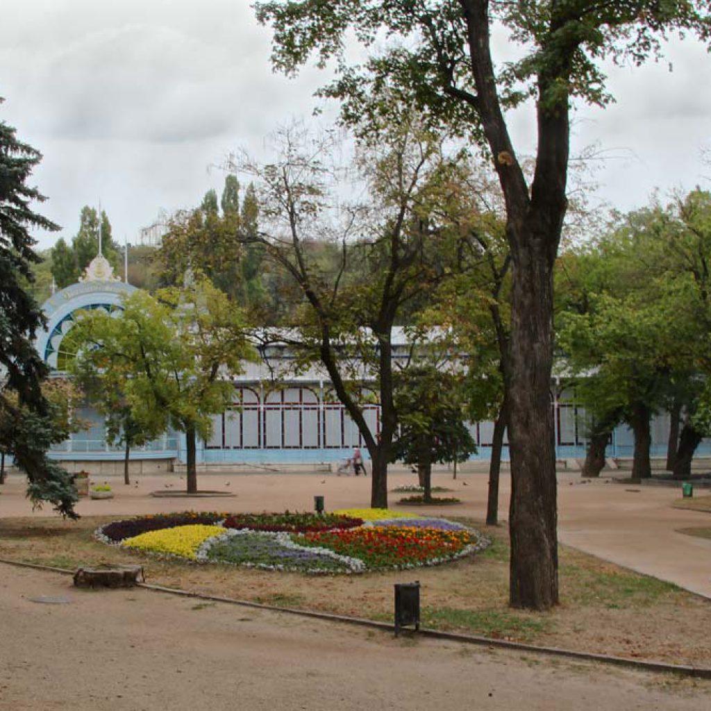 Лермонтовская галерея в парке Цветник