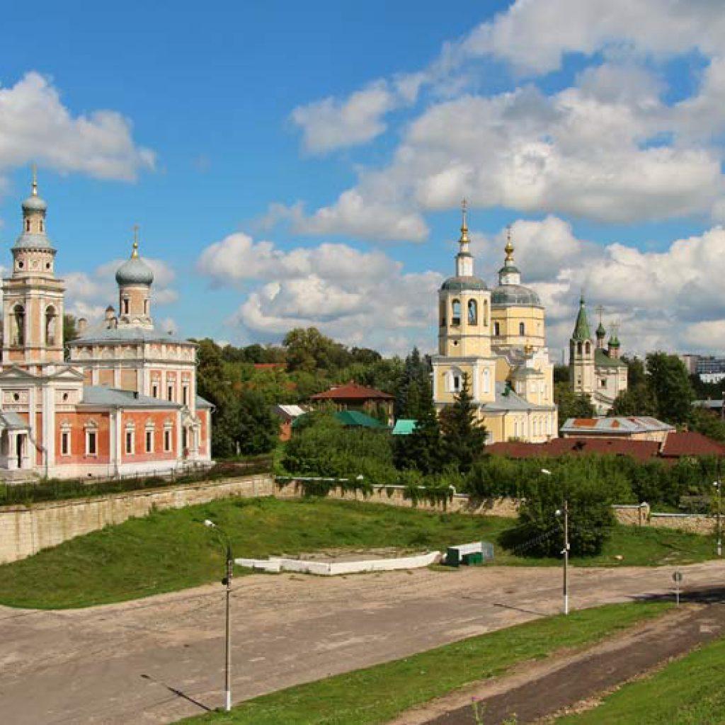 Три посадских церкви - Успенская, Ильинская и СвятойТроицы
