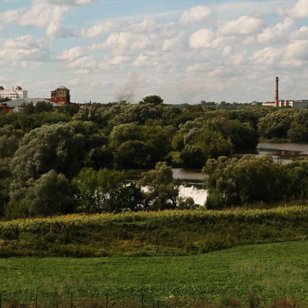Вид со смотровой площадки Высоцкого монастыря