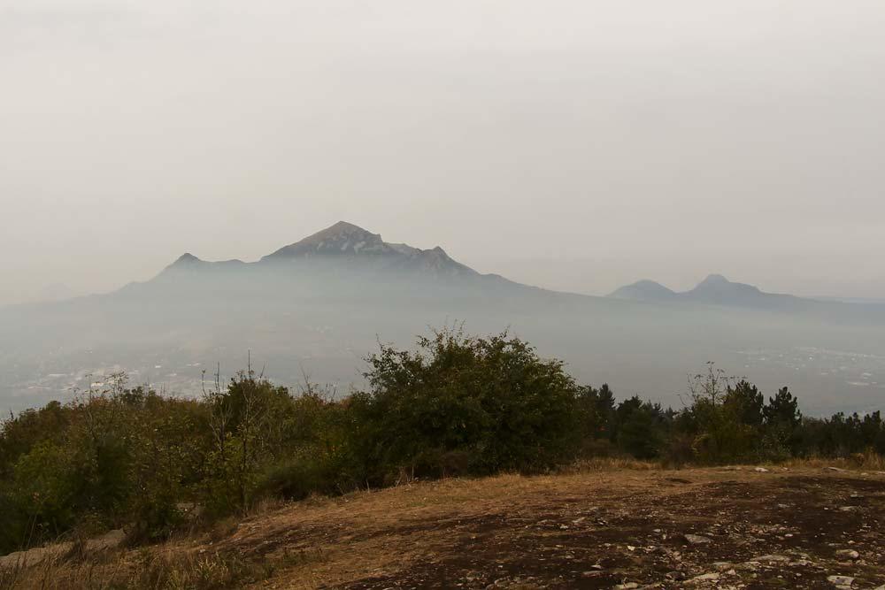 Вид на гору Бештау с Машука