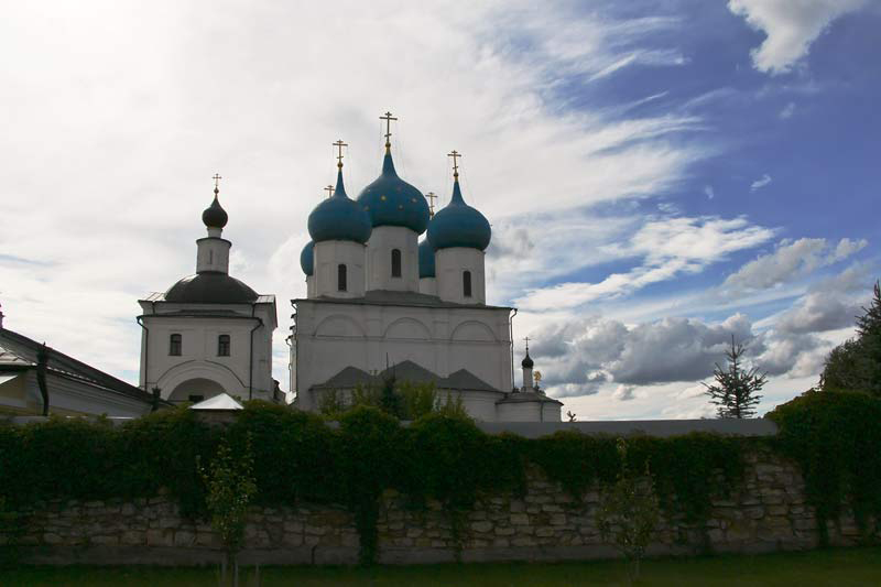 Зачатьевский собор с обратной стороны