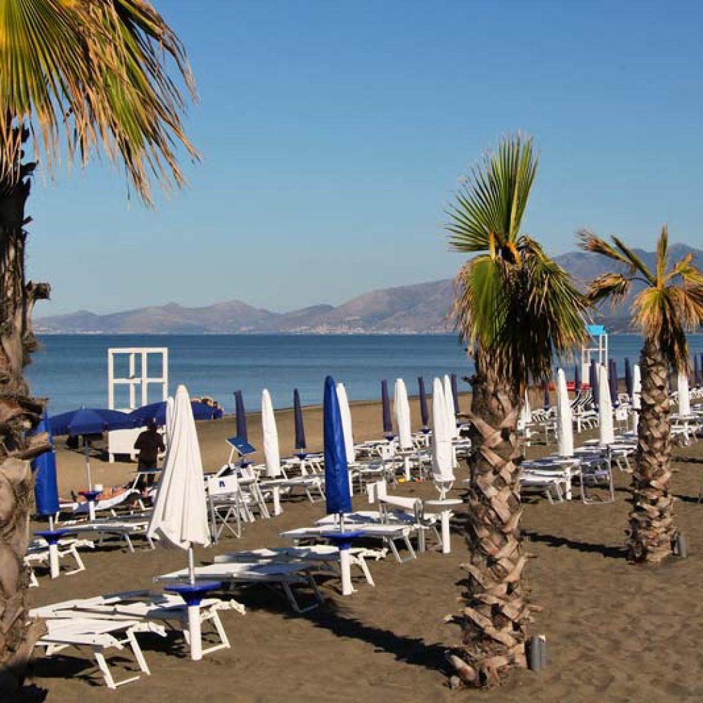 La Serra Italy Village - пляж