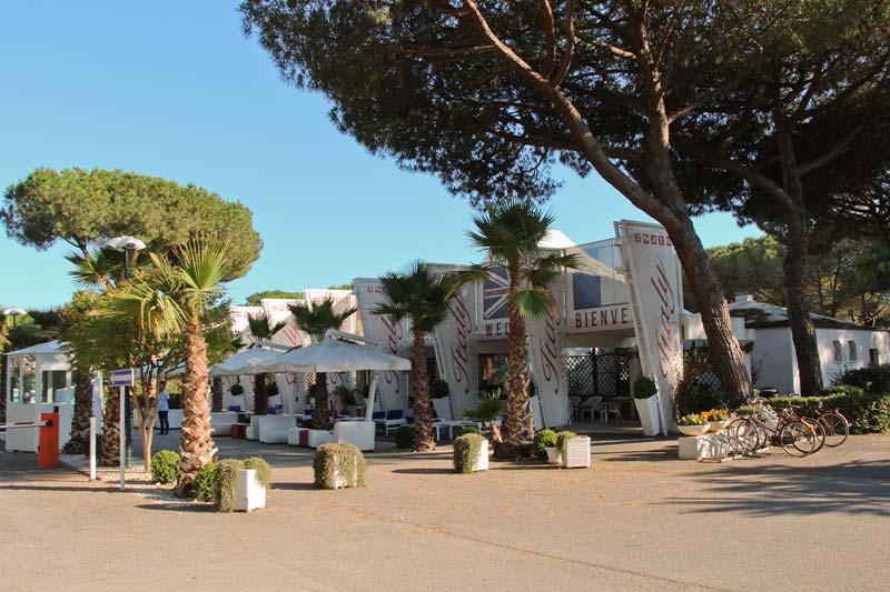 Рецепция отеля La Serra Italy Village