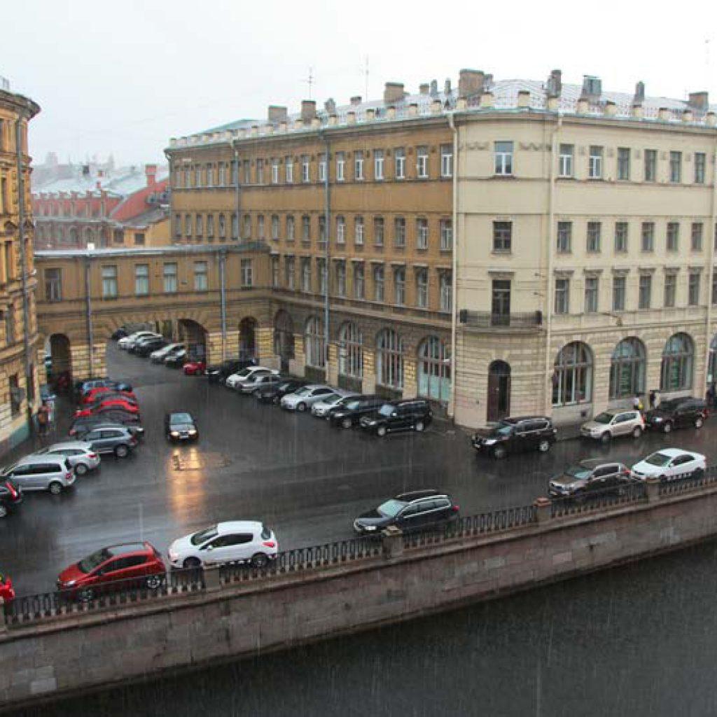 """Отель """"Грифон"""" в Питере. Вид из нашего номера на канал Грибоедова"""
